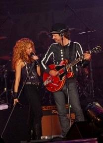 Con Shakira.jpg